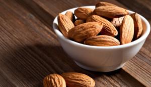 energy-foods-almonds